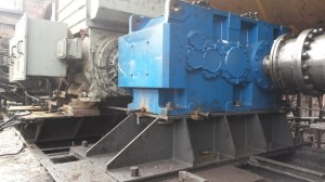Large machine with hard to rotate shafts